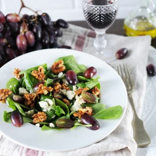 Kéksajt-szőlő saláta, őszre hangolva