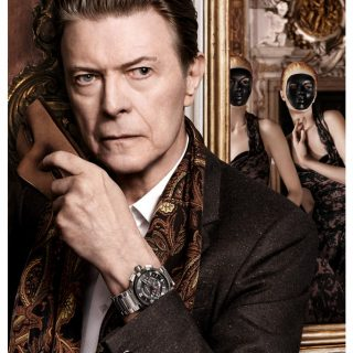 David Bowie és a Louis Vuitton-álarcosbál