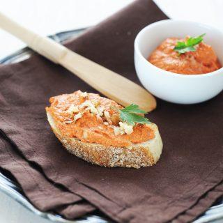 Citromos sült paprika krém dióval