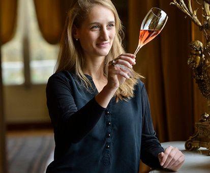 VinCE: hírességek borai és rengeteg pezsgő