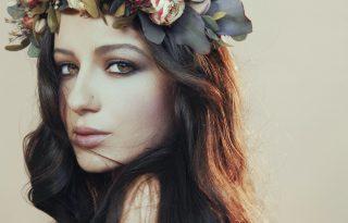 Knoll Gabi nemcsak dalával, ruhájával is tarolhat