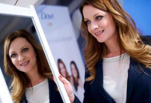 A Dove valódi tükröt tart a nők elé