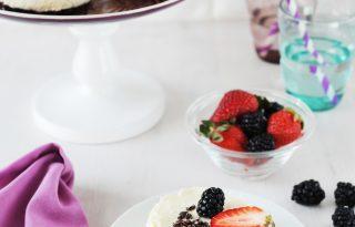 Segítsüti: jótékonykodj joghurtmousse tortával