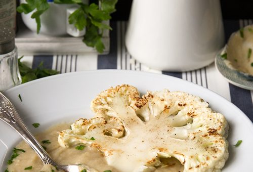 Sült karfiolfőzelék karfiolsteakkel