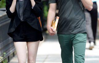 Emma Stone és Andrew Garfield jó ügyek szolgálatába állítják a lesifotókat