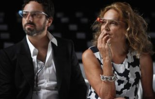 Diane von Furstenberg menő Google Glass kereteket tervez