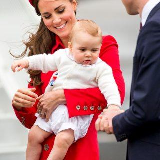 Boldog születésnapot: 1 éves György herceg