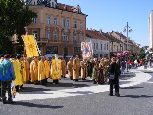 Kaposvári ősz: méz és somogyi borok