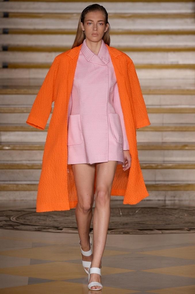 Kattints a Calvin Klein divatbemutató élő közvetítéséért!
