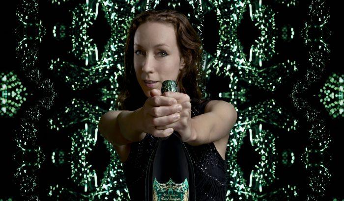 Iris van Herpen öltöztette fel a Dom Pérignont