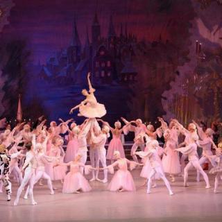 Komolyzene, balett és színház az Uránia karácsonyi műsorán