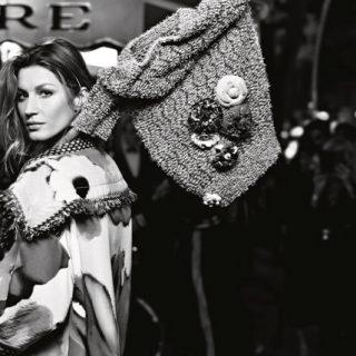 Gisele Bündchen mezítláb pózol a Chanel új kampányában