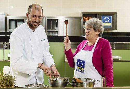 Bereznay Tamás és édesanyja közösen főztek és meséltek konyhatitkaikról