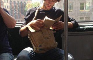 Imádjuk, ha jó pasik olvasnak!