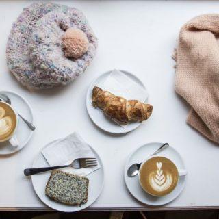 TASTECODE: Újhullámos kávézás és letisztult divat