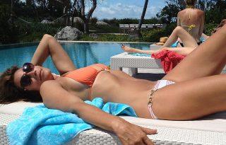 Férje posztolt bikinis fotót Cindy Crawfordról