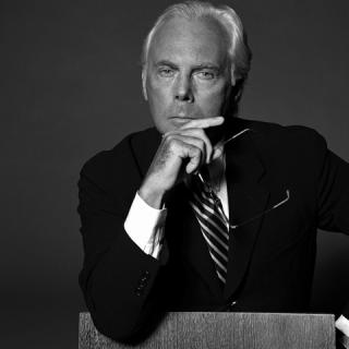 Giorgio Armani új nőiruha vonalat alapít