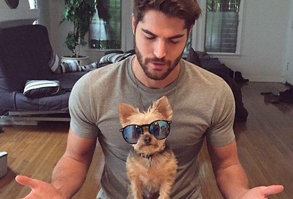 Az új kedvenc Instagram oldalad: jó pasik kutyákkal