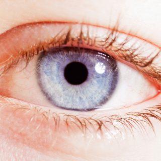 Barna szemből kéket – lézerrel