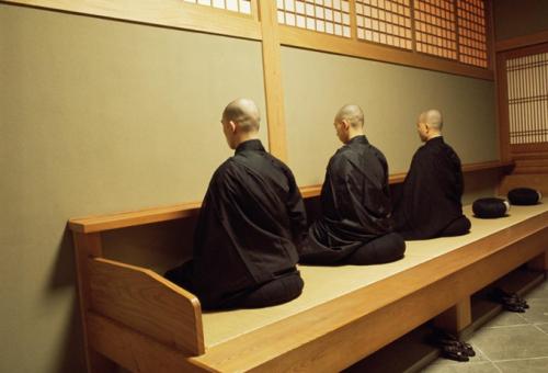 A maratonfutó szerzetesek futástól világosodnak meg