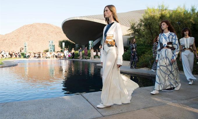 Futurisztikus divat a Louis Vuittontól