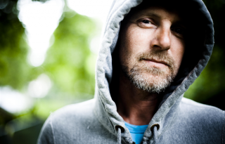 """Jo Nesbø: """"Ha lezuhanok, nekem annyi"""" - exkluzív interjú"""