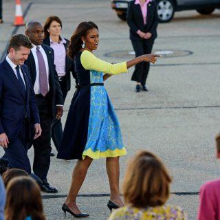 Stílusos landolás: a First Lady és lányai Európában