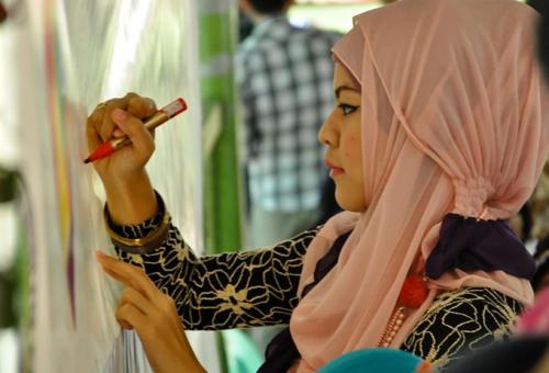 Muszlim divatblogger segített a tervezésben a Uniqlonak