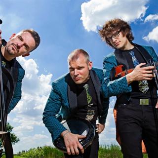 Hullámok egy hőerőműben – az INFusion Trio új klipje
