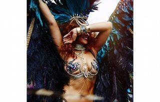 Szexi jelmezben karneválozott Rihanna