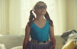 A legtüneményesebb reklámsztár: a kis botladozó balerina