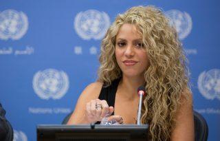 Shakira a gyerekekért harcol