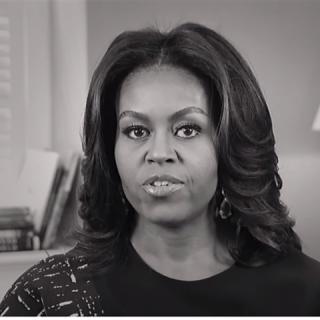 Michelle Obama a fiatal lányok oktatási lehetőségeiért kampányol