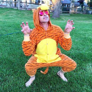 Robert Downey Jr. tigrisnek öltözött beteg kis rajongója kedvéért