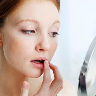 4 természetes módszer a cserepes ajkak ellen