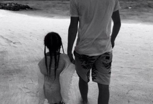 Brooklyn Beckham legcukibb fotója kishúgával
