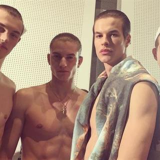 Magyar fiúk a Versace kifutóján
