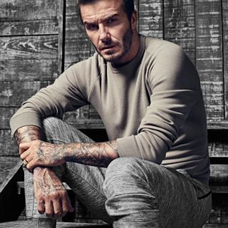 Ennyire jól néz ki David Beckham a H&M kampányában!