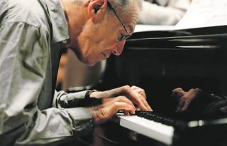 Kurtág György előtt tisztelegnek zenésztársai