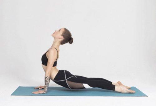 Még edzőre sincs szükséged az okos jóganadrággal!
