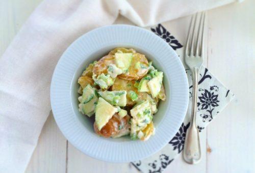 Könnyű saláta vacsora burgonyából