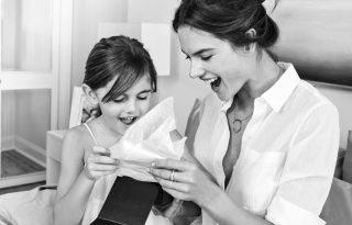 Egy kampányban a szupermodell és a kislánya