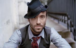 Egy kedves, kalapos srác – interjú Charlie Winstonnal
