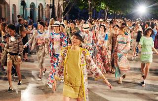 Havannában mutatta be a Chanel új kollekcióját