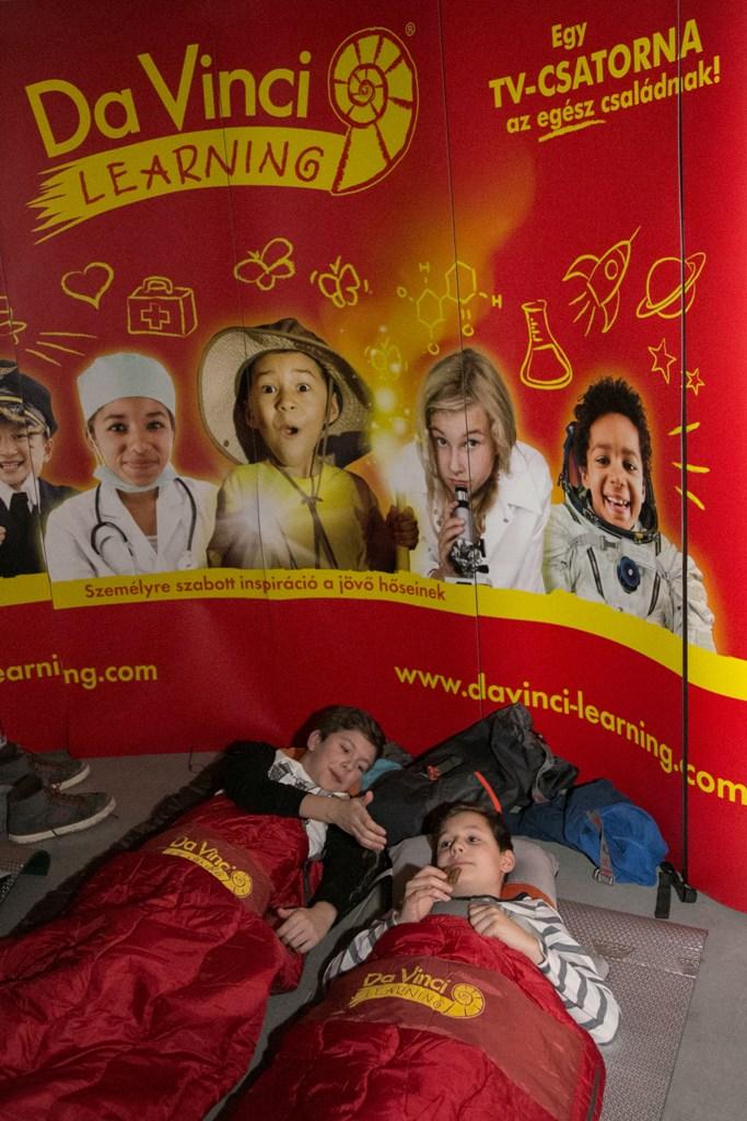 A legokosabb ottalvós buli gyerekeknek  c3d8b95101