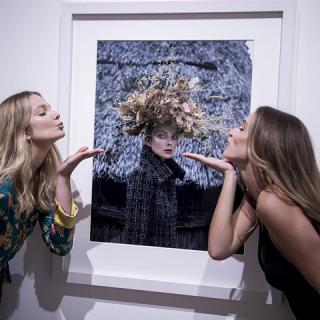 Nők Chanelben fotókiállítás – ott voltunk a megnyitón