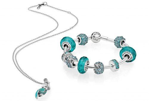 Trópusi kékség a Pandora nyári kollekciójában