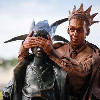 Királyfira lelt Budapest ikonikus Kiskirálylány szobra