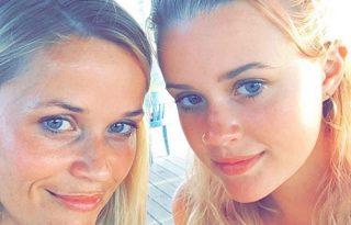 Reese Witherspoon és lánya akár ikrek is lehetnének