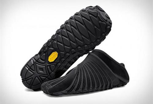 Kényelmesen és elegánsan az ECCO nyári szandáljaiban · A világ  legkényelmesebb cipőjét elég csak rácsavarni a lábadra aefd5d9e7f